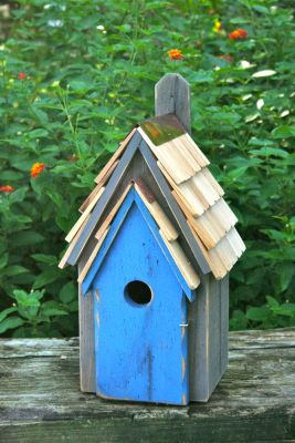 Heartwood Bluebird Manor Bird House - Grey/Blue Door 006H