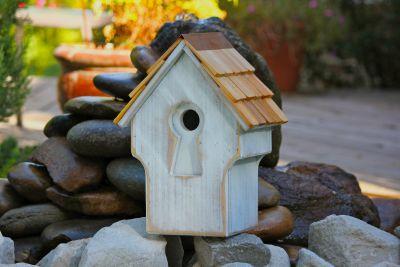 Heartwood Peeper Keeper Birdhouse - Rustic White 212B