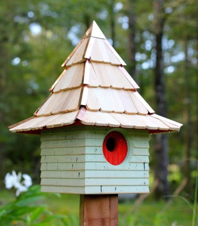 Heartwood Imperial Inn Bird House, Green with Red Door 246A