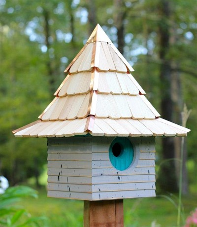 Heartwood Imperial Inn Bird House, Gray with Turquoise Door 246B